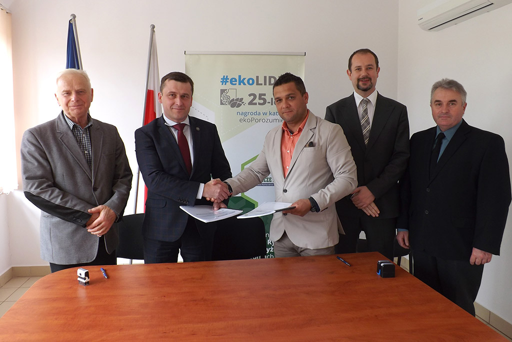 Podpisanie umowy - budowa sieci w Rzepienniku Suchym
