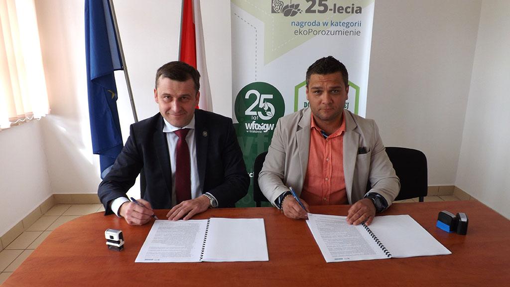 Podpisanie umowy - budowy sieci w Rzepienniku Suchym
